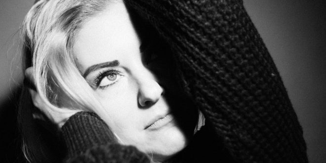 Nicole – Hollywood Shot